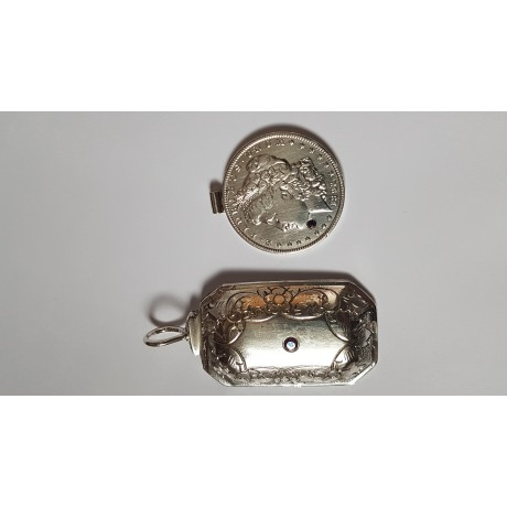 Sterling silver pendant Coin UP , Bijuterii de argint lucrate manual, handmade