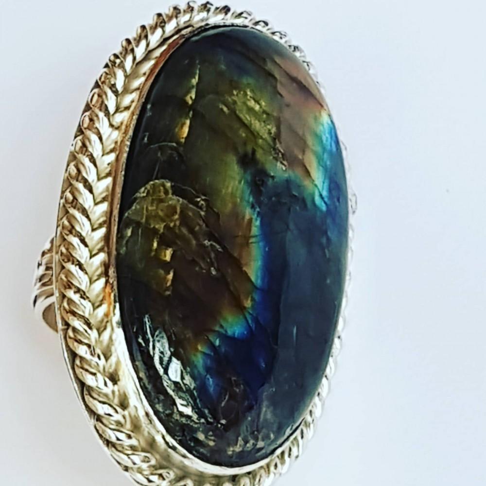 Large Sterling Silver ring with natural labradorite Lavish Mode
