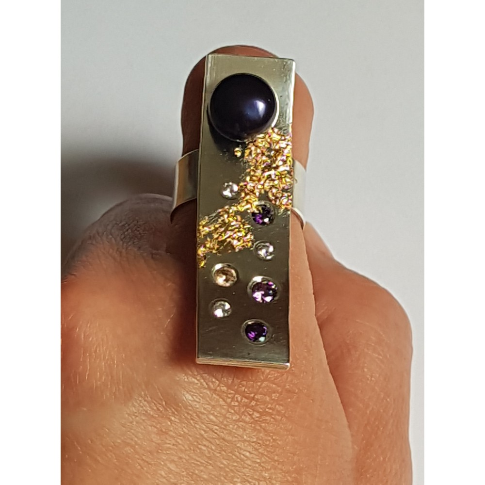 Handmade ring in Ag925massive silver, cultured pearl, amethysts and zircons and 18k gold leaf Gotitfirst