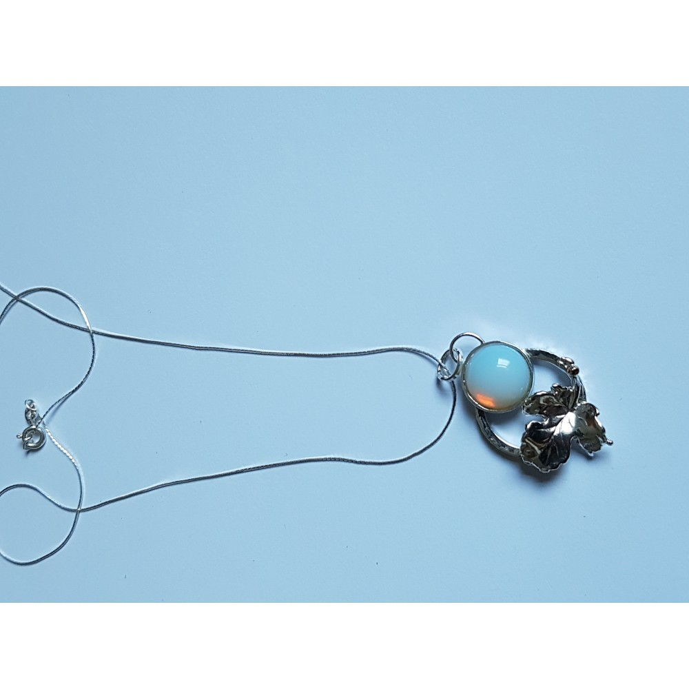 Pendant made entirely by hand in Ag925 silver and opal Ophelia