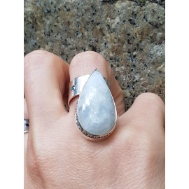 Sterling silver ring with natural moonstone , Bijuterii de argint lucrate manual, handmade