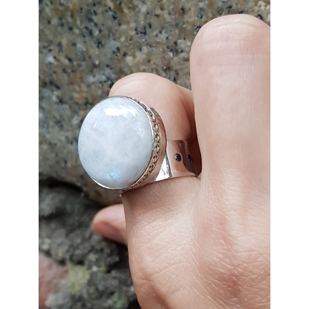 Sterling silver ring with natural moonstone Moontrims