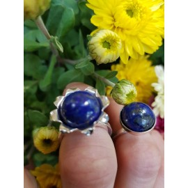 Sterling silver ring with natural lapislazuli