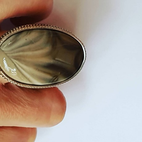 Sterling silver ring with natural creme color, Bijuterii de argint lucrate manual, handmade