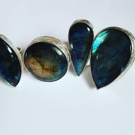 Large Sterling Silver ring with natural labradorite stone VibrantShadies, Bijuterii de argint lucrate manual, handmade