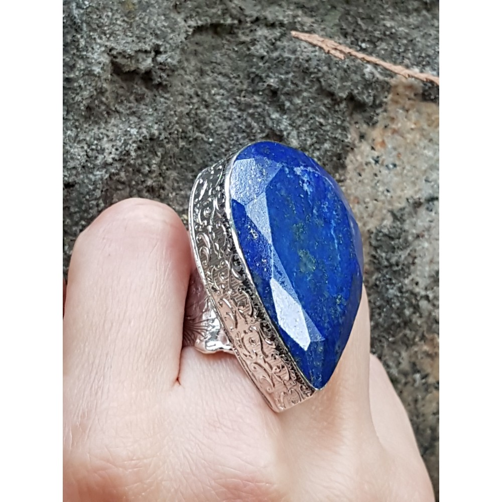 Large Sterling Silver ring with natural lapislazuli Darting Blue