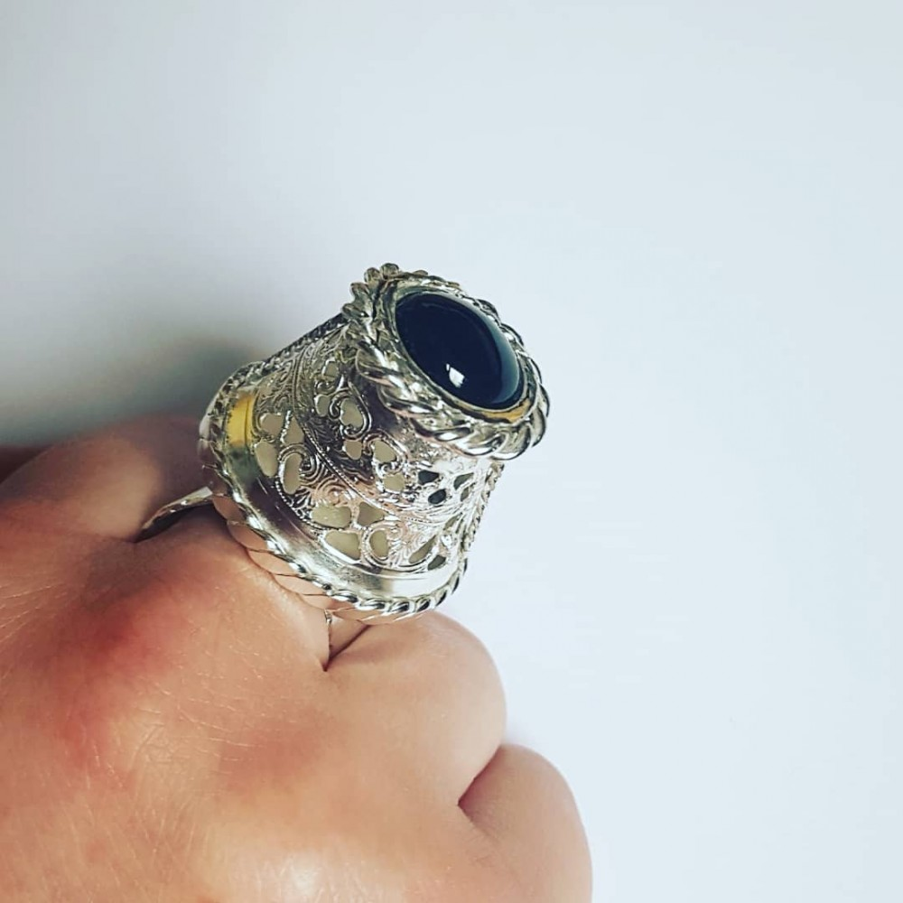 Solid Ag925 silver ring with BlueHeights natural lapis lazuli