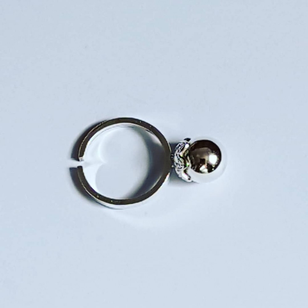Engagement ring made entirely by hand in silver Ag925 Globulet