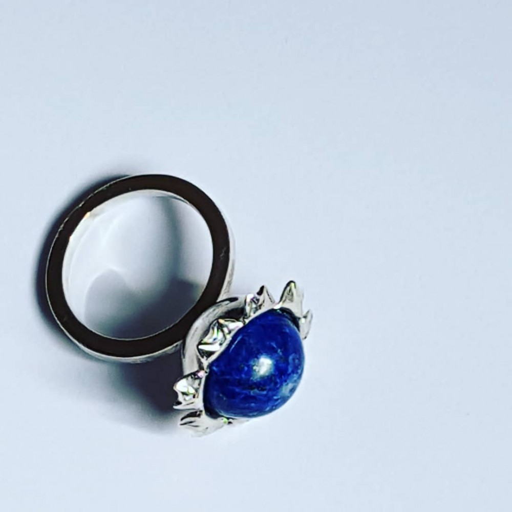 Ring made entirely by hand in Ag925 silver and lapis lazuli