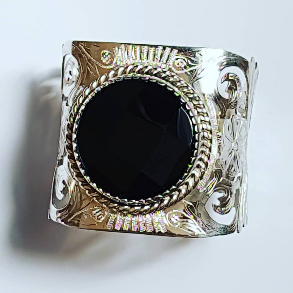 Bracelet made entirely by hand in solid Ag925 silver and natural black onyx Black & White