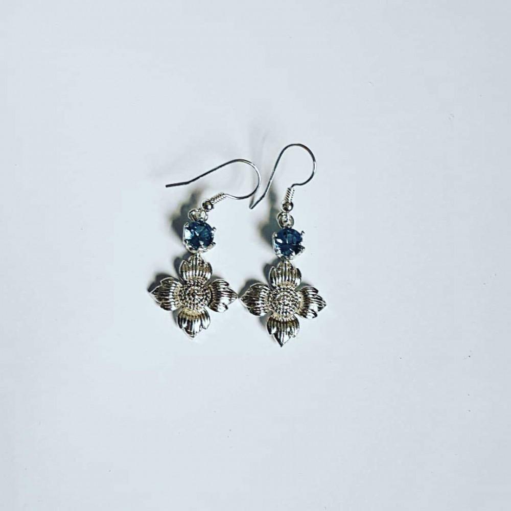 Sterling silver earrings and aquamarines FlowerPeak