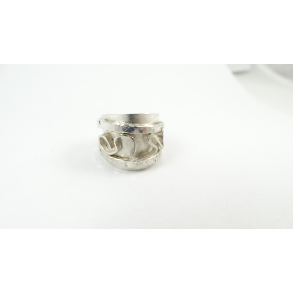 Sterling silver ring Free Vibe