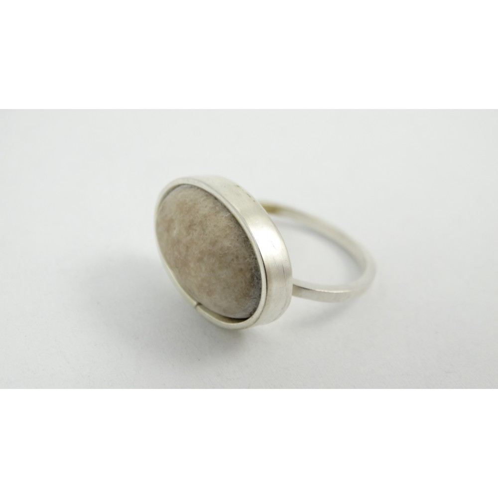 Sterling silver ring with green jade Feel Green