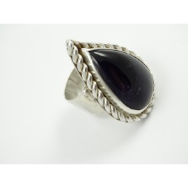 Sterling silver ring L'Esprit de Plaisir with large natural amethyst