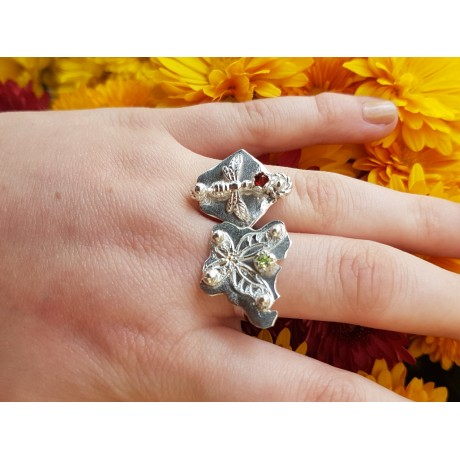 Sterling silver ring with natural peridotte, Bijuterii de argint lucrate manual, handmade