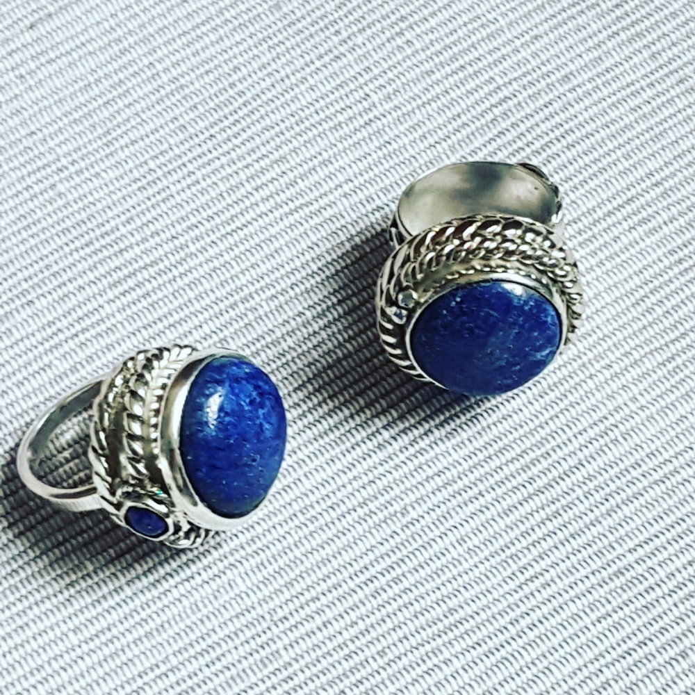 Massive Sterling silver ring with natural lapislazuli Blue View