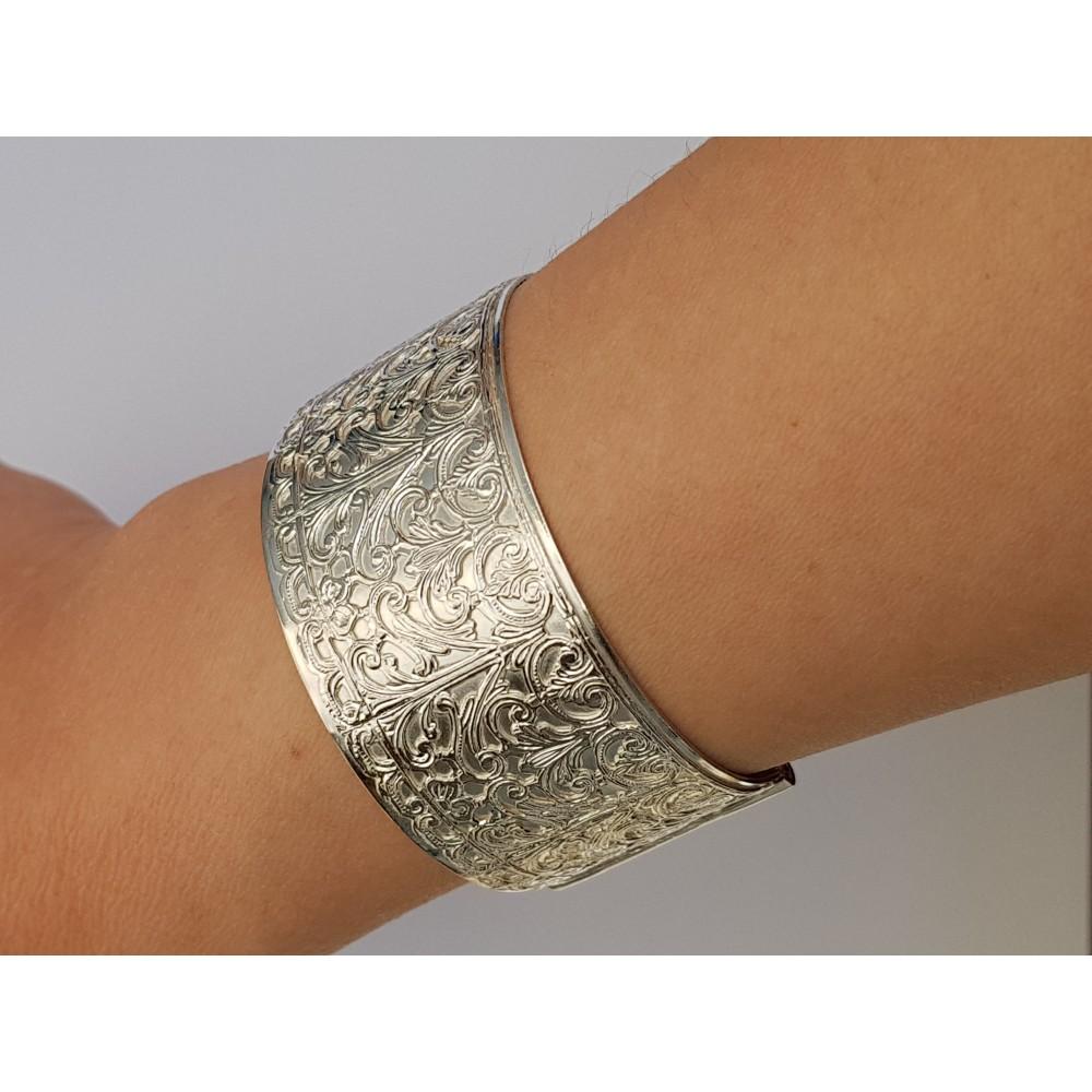 Sterling silver cuff Chilvalry