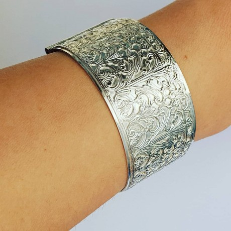 Sterling silver cuff Chilvalry, Bijuterii de argint lucrate manual, handmade