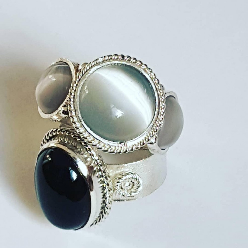 Sterling silver ring with natural cat 's eyes Milky Lane