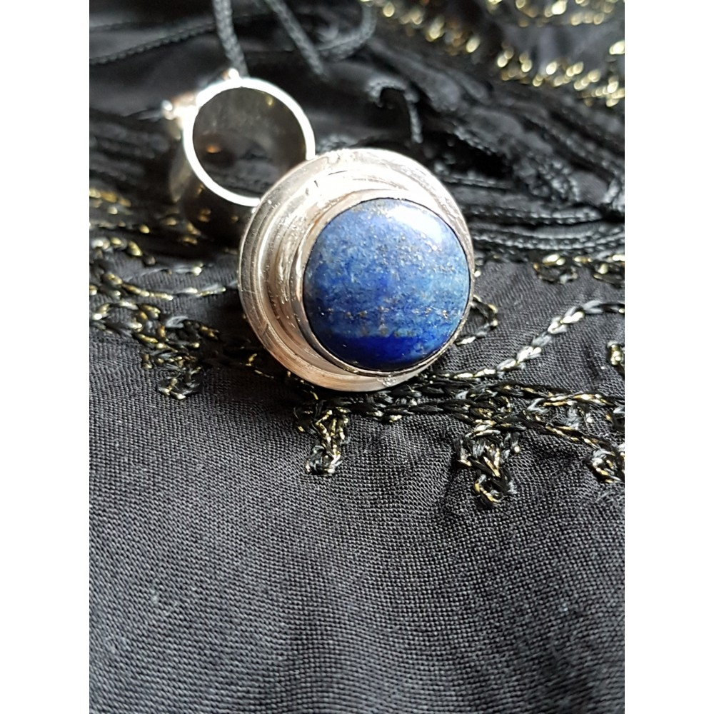 Large Sterling silver ring with natural lapislazuli Blue Groove