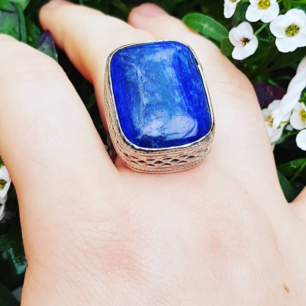 Sterling silver ring with natural lapislazuli  Blue Navel
