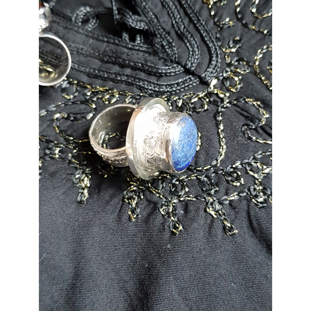 Large Sterling Silver ring with natural lapislazuli Lover 's Wake
