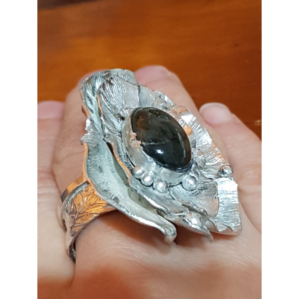 Large Sterling Silver ring with natural labradorite stone Flower Prime