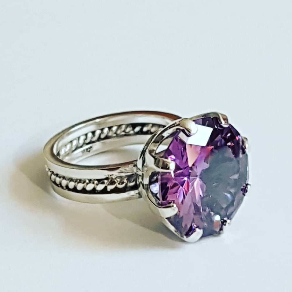 Silver Ag925 Ag Massive Engagement Ring with Asian Amethyst Love Feast