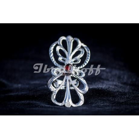 Silver ring with granate, Bijuterii de argint lucrate manual, handmade