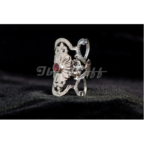 Silver sterling ring with red granate, Bijuterii de argint lucrate manual, handmade