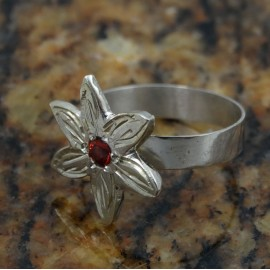 Sterling silver engagement ring Just Flowers