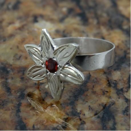 Sterling silver engagement ring Just Flowers, Bijuterii de argint lucrate manual, handmade