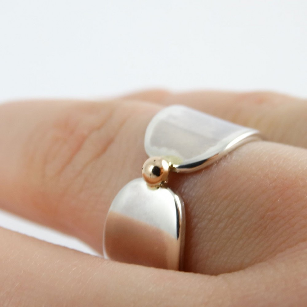 Sterling silver engagement ring with gold Hotspot