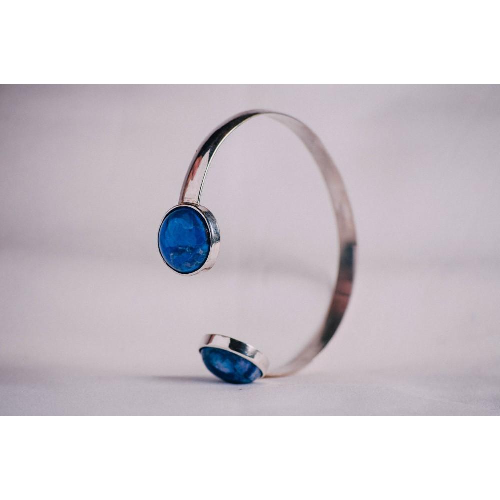 Sterling silver bracelet with blue Haolithe