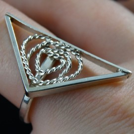 Sterling silver ring Pointed