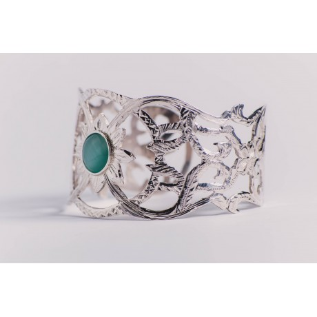Sterling silver bracelet with greenish cat's eye, engraved, handmade& handcrafted, Bijuterii de argint lucrate manual, handmade