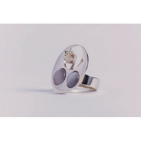 Sterling silver ring with two whitish grey cat's eye stones and silver ball, handmade& handcrafted, Bijuterii de argint lucrate manual, handmade