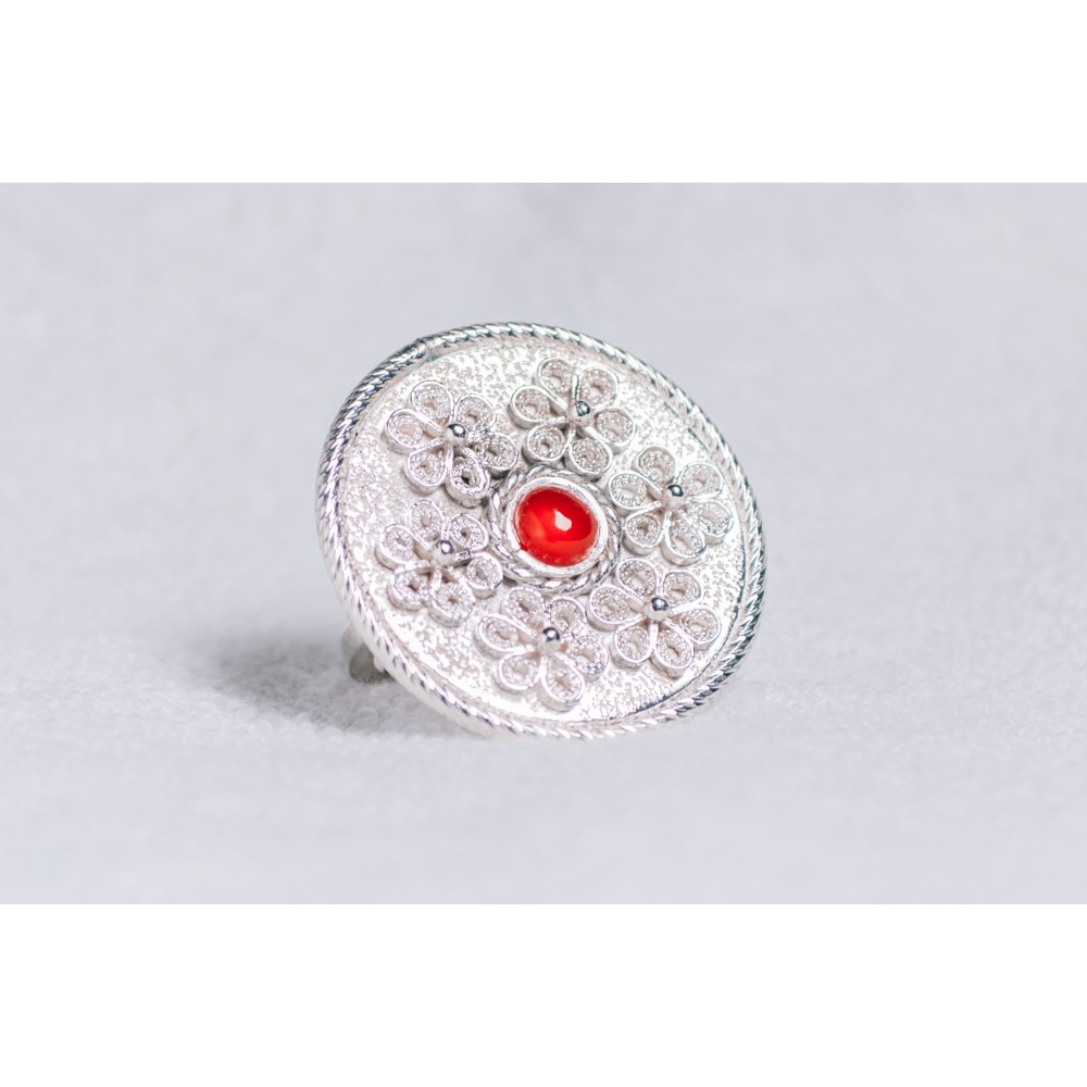 Large sterling silver ring, with filigree work and central cornaline