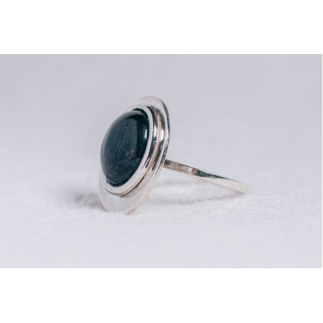 Large sterling silver ring with black cabochon Cat's eye stone, Bijuterii de argint lucrate manual, handmade