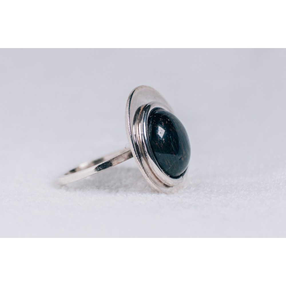Large sterling silver ring with black cabochon Cat's eye stone
