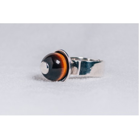 Large sterling silver ring with Tiger 's eye ball and sterling silver cap, Bijuterii de argint lucrate manual, handmade