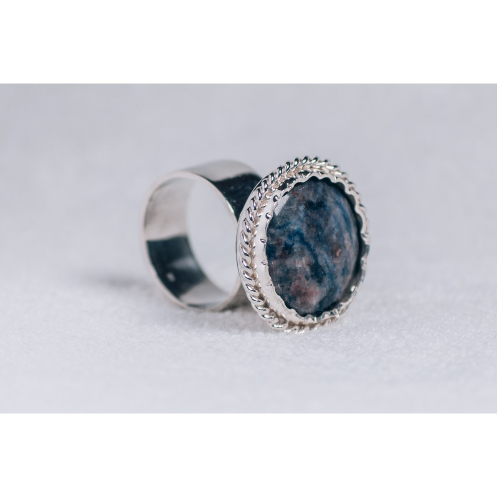 Large sterling silver ring with deep blue saddolit