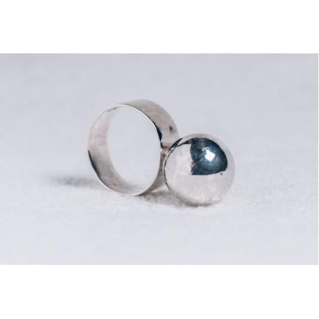 Sterling silver ring with big silver ball, Bijuterii de argint lucrate manual, handmade
