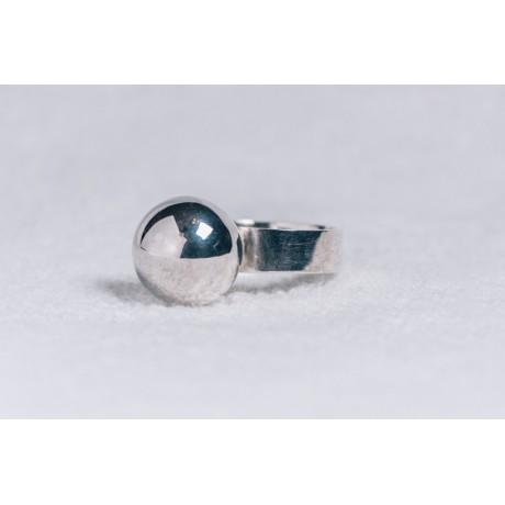 Sterling silver ringwith big silver ball, Bijuterii de argint lucrate manual, handmade