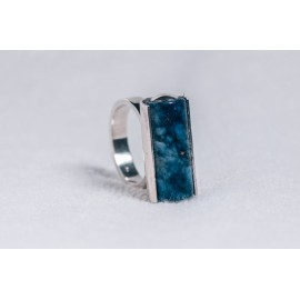 Large sterling silver ring with lapis tube