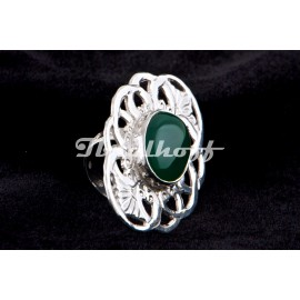 Silver ring whit jade stone