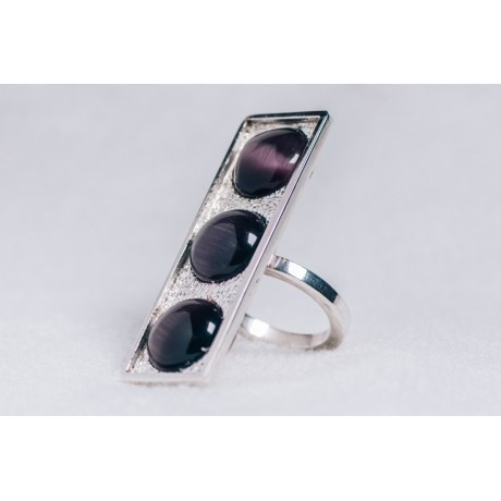 Large sterling silver ring with three deep purple cat's eye stones, Bijuterii de argint lucrate manual, handmade