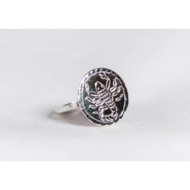 Sterling silver ring with engraved scorpion, handmade & handcrafted, design by bralhoff