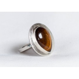 Large sterling silver ring with teardrop-shaped tiger's eye, handmade & handcrafted, design by Ibralhoff