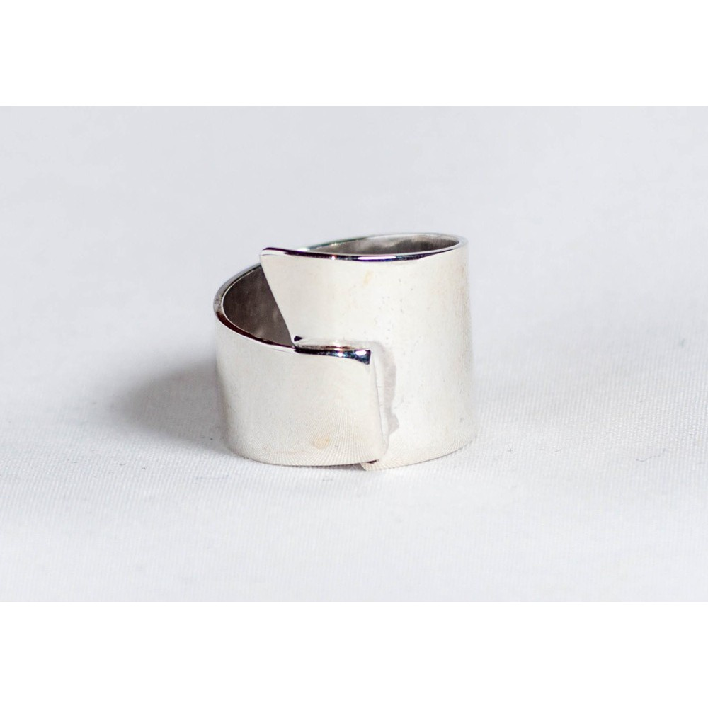 Sterling silver ring, handmade & handcrafted